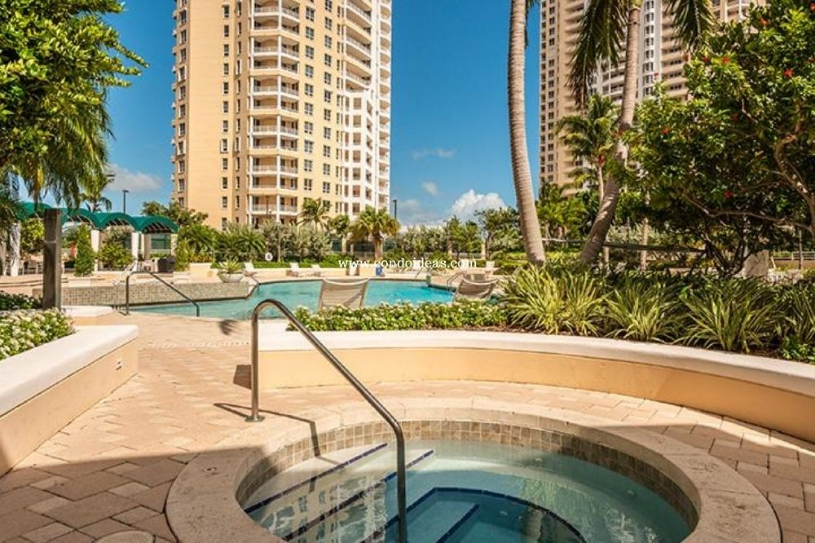 Tequesta Three condo